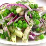 Салат из сельди и зеленого горошка