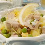 Салат с печенью трески, яйцами и зеленым луком