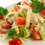 Классический салат Цезарь и не только